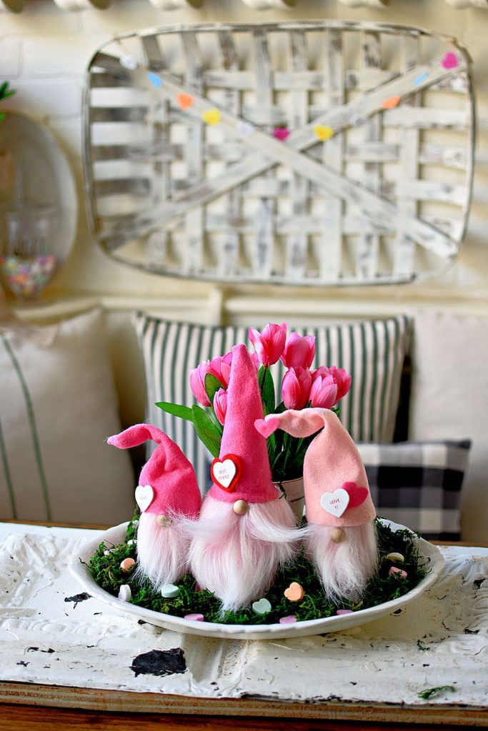 pink valentines gnomes on table