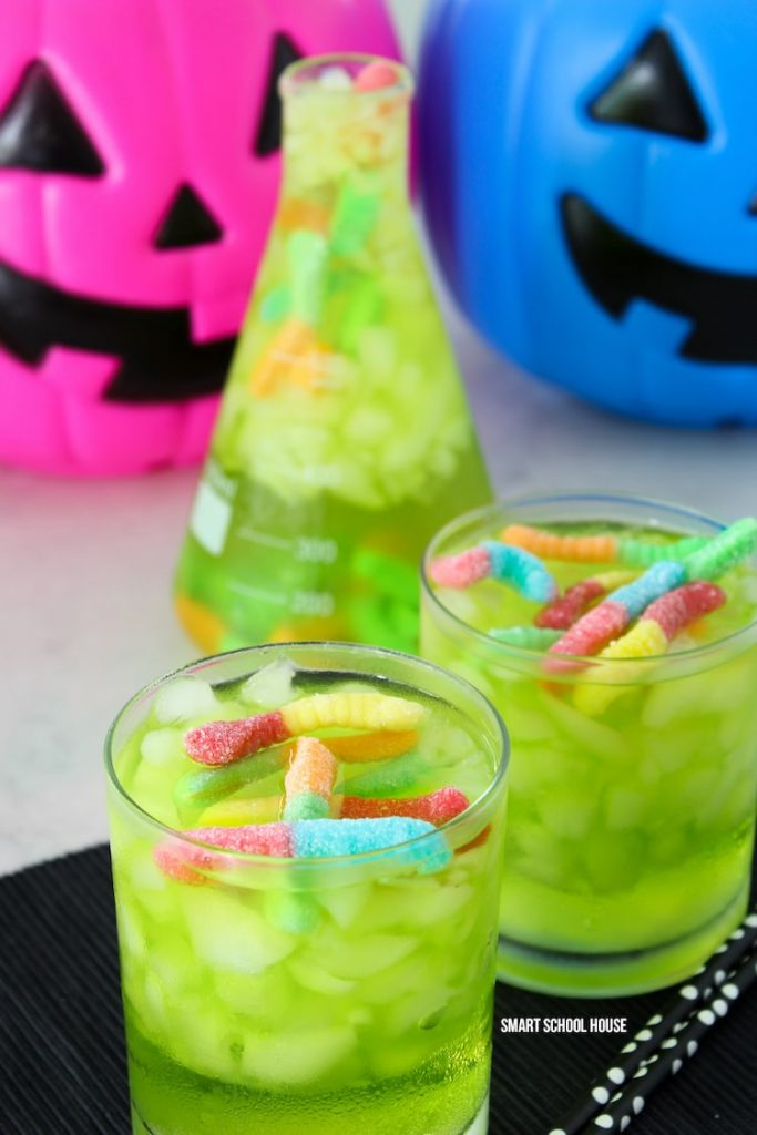 green drinks with gummy worm lollies