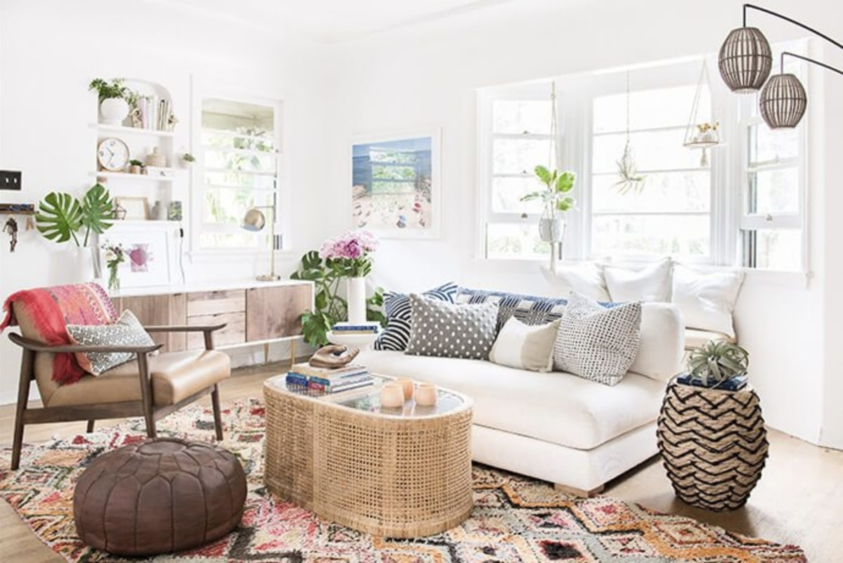 white lounge room pops of boho colour and pattern