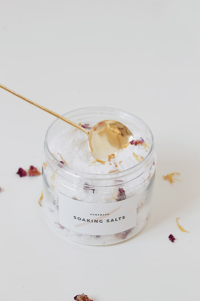 DIY gifts for her bath salts container