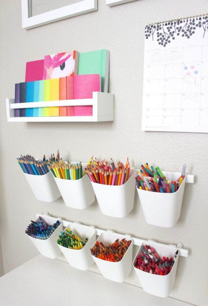Hanging art supplies storage