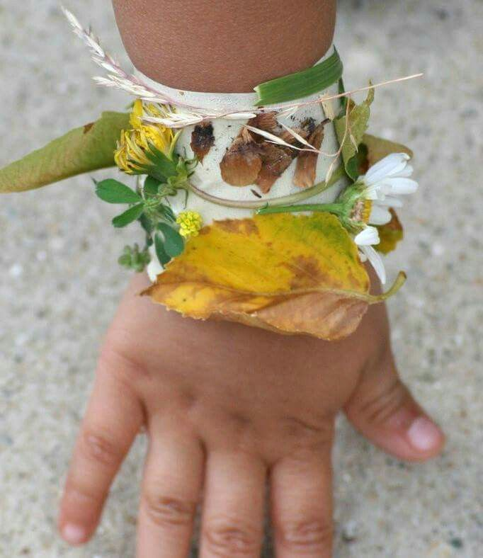 nature bracelet on kids hand