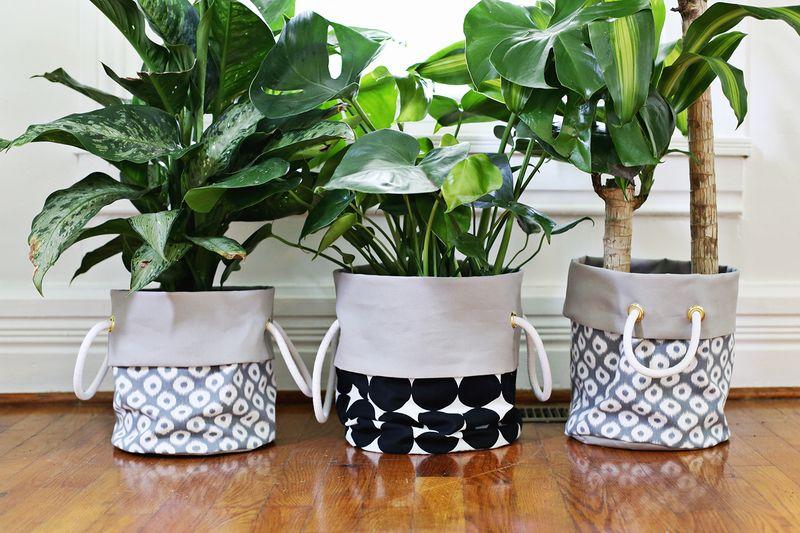 11 Cute Indoor Planter DIY Ideas | fabric planter bag diy | A Visual Merriment Round Up