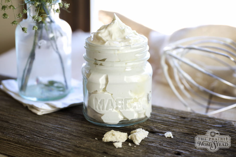 DIY 25 Handmade Gifts to Craft Your Loved Ones (or sell them, they're that good!) | Home made whipped body butter tutorial | A Visual Merriment
