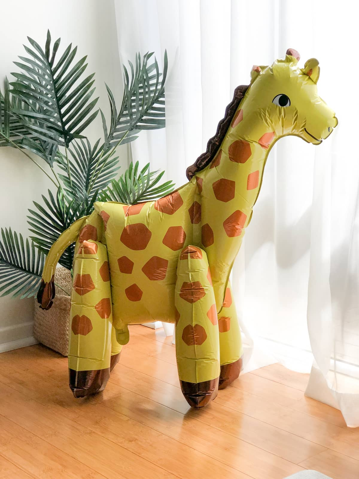 Yellow giraffe balloon
