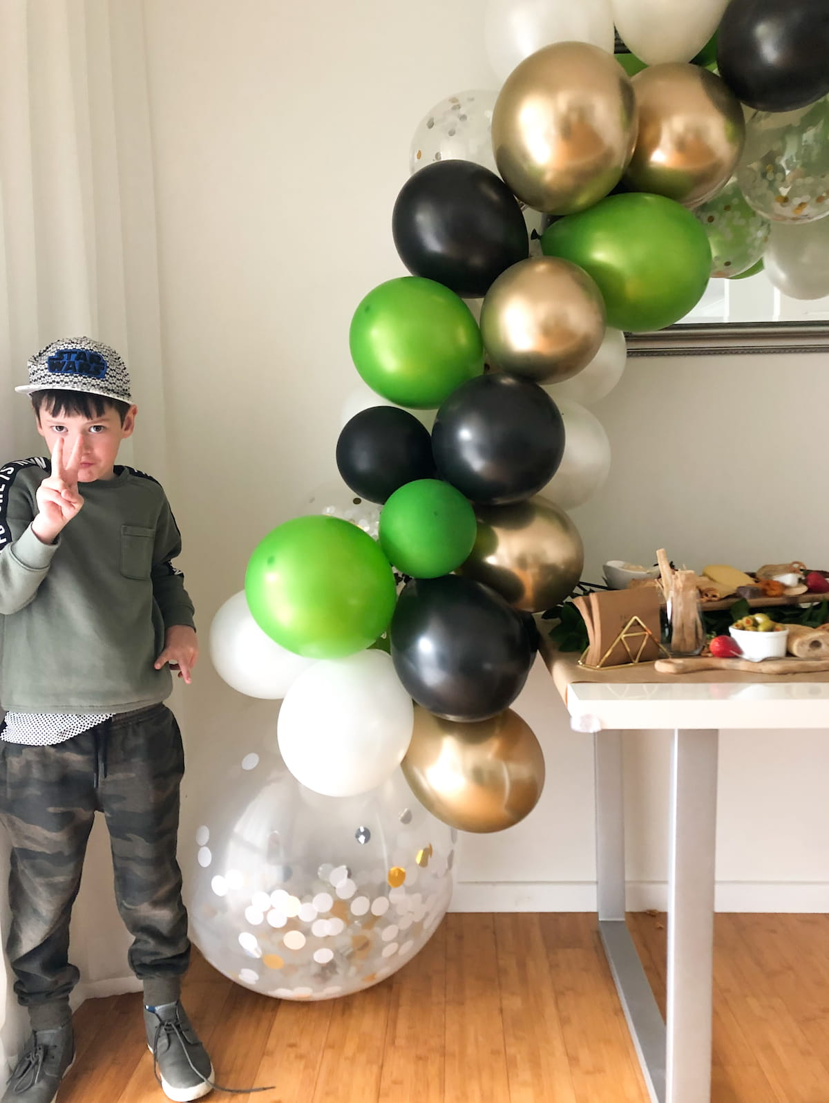 Base of DIY balloon arch