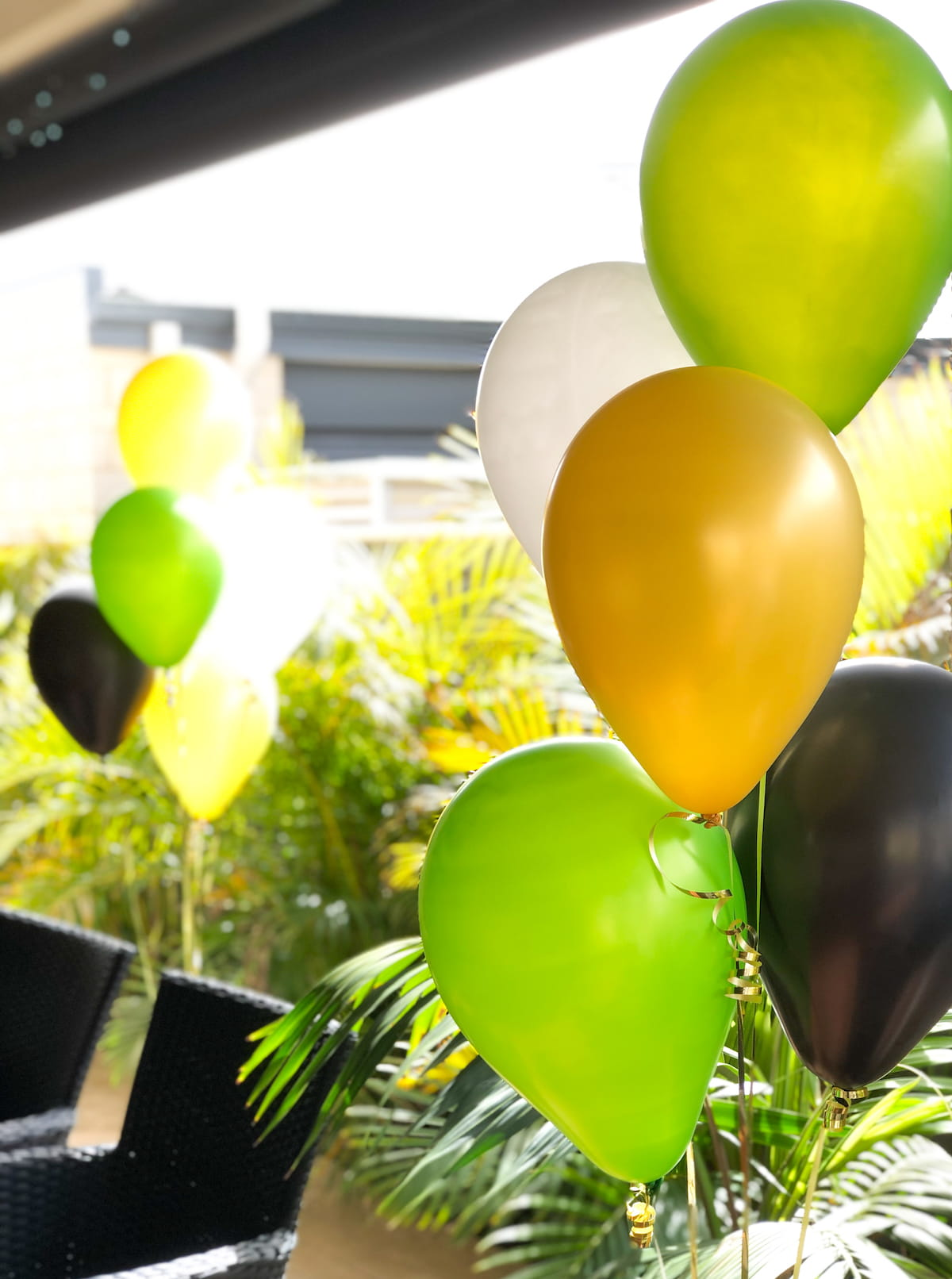 Outdoor party balloon decor